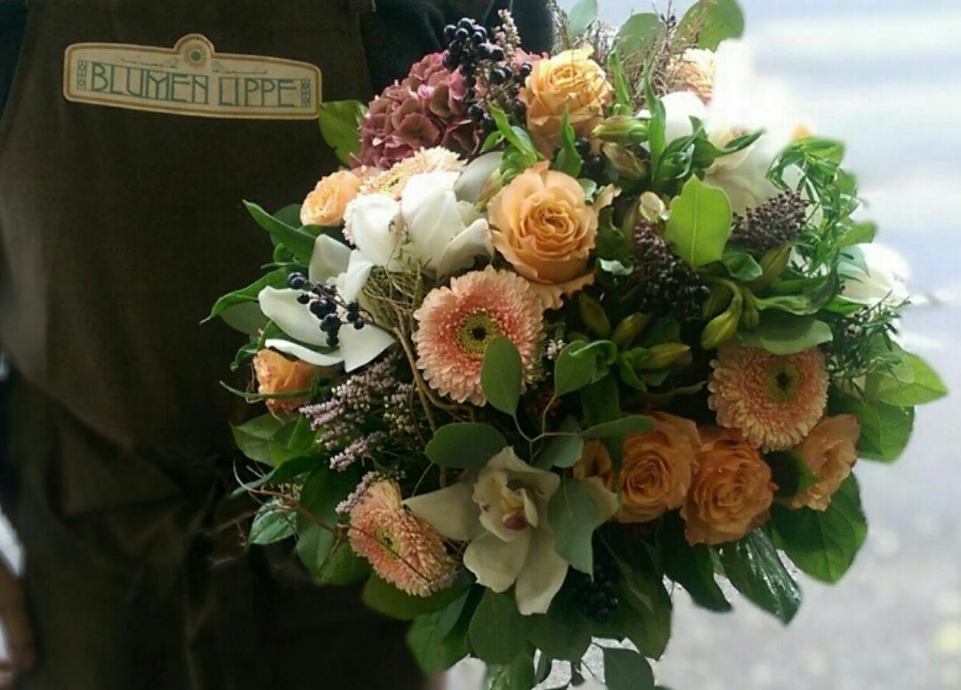 Blumenstrauss-Bouquet24